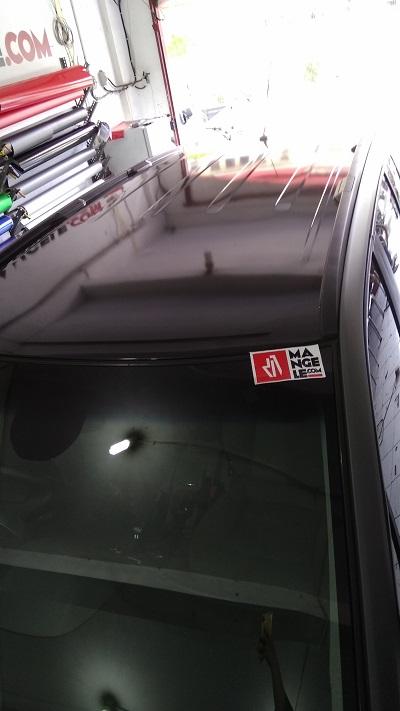 wrapping stiker mobil | atap chevrolet hitam gloss | mangele stiker 081227722792