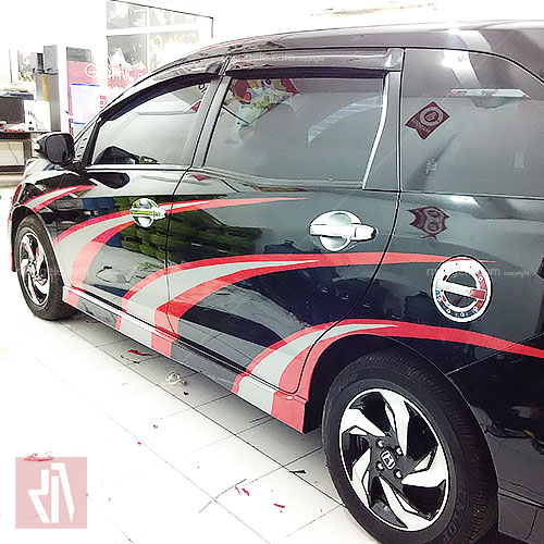 tempat cutting stiker mobil di bandung | sporty mobilio desain by mangele | 081227722792