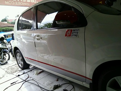 tempat stiker cutting mobil | Bandung | mangele stiker | 081227722792