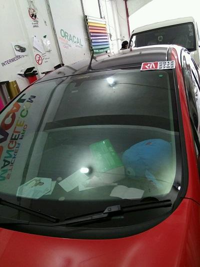 wrapping stiker mobil | atap gloss hitam bandung | mangele stiker 081227722792