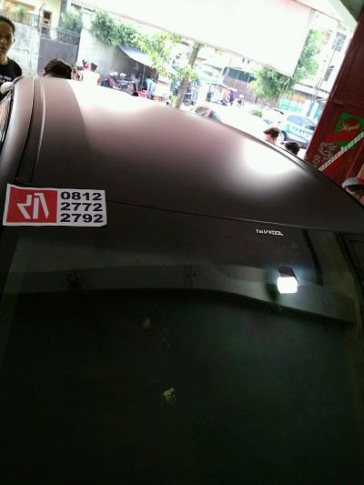 tempat pasang stiker atap | hitam gloss | mangele stiker 081227722792