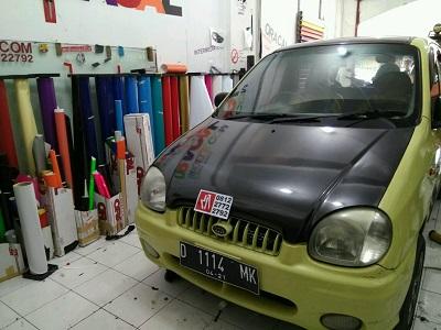 wrapping stiker mobil | carbon kap mesin | mangele stiker 081227722792
