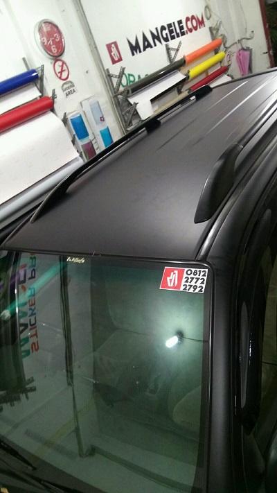 wrapping stiker atap | hitam doff | mangele stiker | 081227722792