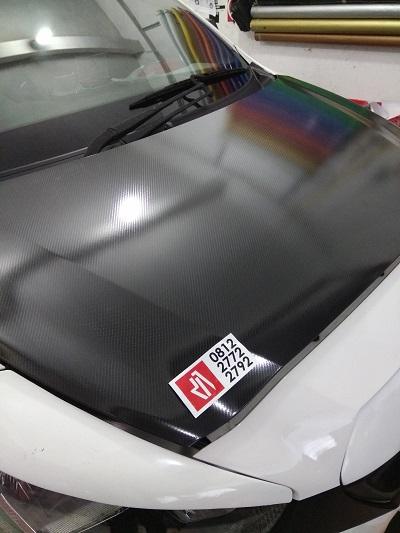 stiker wrapping mobil | carbon stiker mobil kap mesin | mangele stiker 081227722792