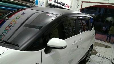 wrapping stiker mobil   Atap hitam doff Sienta Bandung   mangele stiker 081227722792