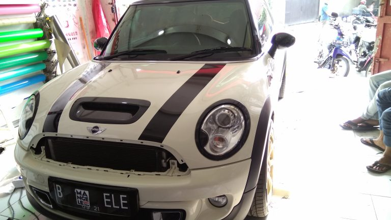 cutting stiker mobil | Cutting Mini Cooper custom Bandung | mangele stiker 081227722792