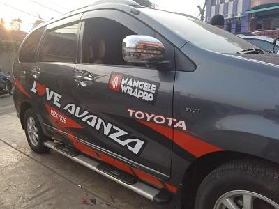 cutting stiker mobil | cutting avanza racing di Bandung | mangele stiker 081227722792